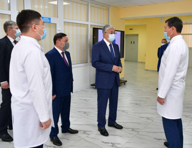 Мемлекет басшысы Көкшетау қаласындағы онкологиялық емханаға барды