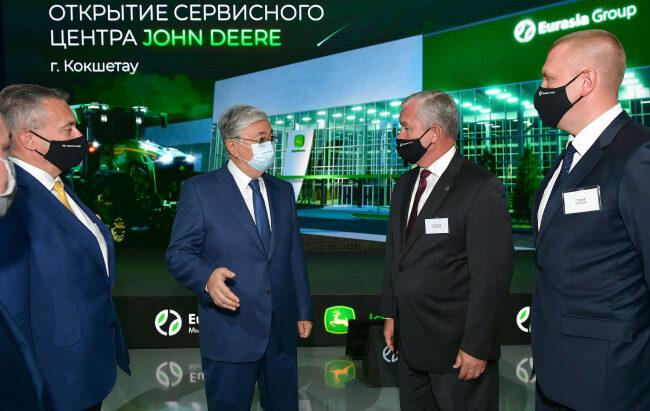 Қасым-Жомарт Тоқаев «Eurasia Group Kazakhstan» ЖШС-нің сервис орталығын аралап көрді