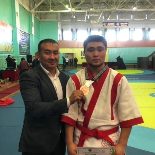 Ақмолалық қазақ күресінен республикалық ауыл спорт ойындарының қола жүлдесін жеңіп алды